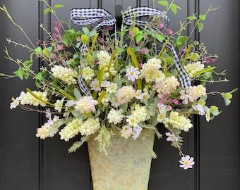 Farmhouse Flower Bucket, Farmhouse Wreaths, Farmhouse Decor, Vintage Farmhouse, Galvanized Bucket, Hyacinth Wreath, Hyacinth Door Wreath