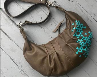 PLEATED HOBO - olive green leather hobo purse - crossbody bag - customizable hobo bag - hobo with zipper - cross body hobo - leather bag