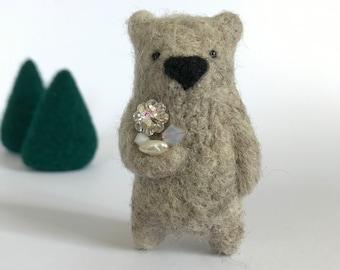 Stone grey wool bear brooch