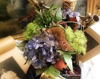 Earth Lovers Ecology Dried Flower Tussie Mussie Bouquet