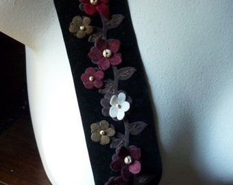 """REMNANT 24""""  BLACK Velvet Trim with Appliques for Millinery, Sewing TR 220"""