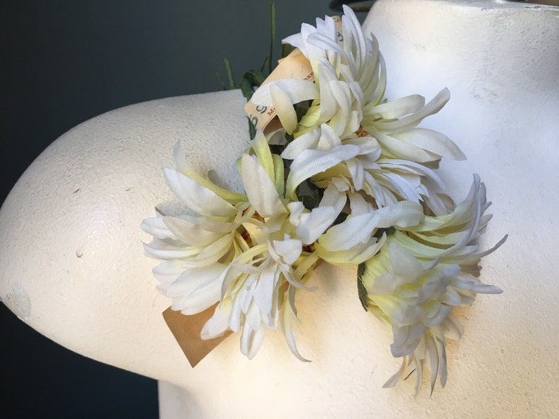 40/'s Costumes Corsages MF 292 3 Ivory Mini Gerbera Daisies Vintage Millinery for Hats