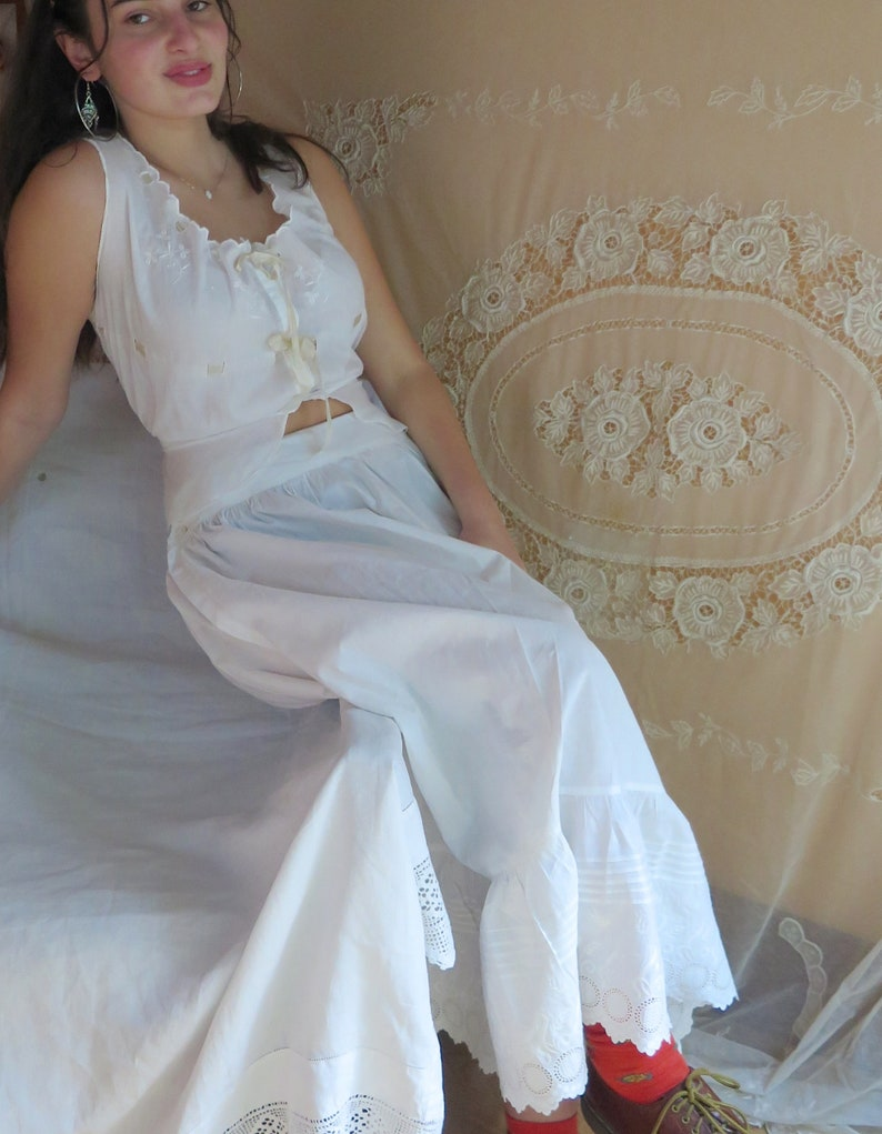Antique White Petticoat in Cotton with Embroidered Flounce 29 Waist