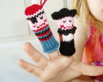 Pirate Fun Finger Puppets (Includes 2 Pirates, Crocodile, Monkey and Parrot.)