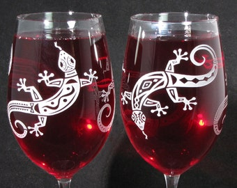 NEW 2 Lizard Wine Glasses,  Gecko Wedding Gifts for Bride and Groom, Mothers Day Present for Mom