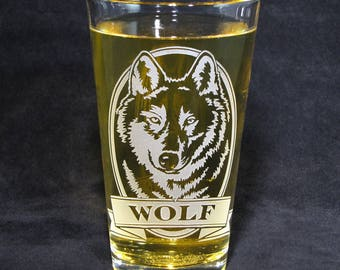 1 Personalized Wolf Beer Glass, Birthday Present for Wolf Lover, Gift for Man, Pint Glass, Grandpa Gift