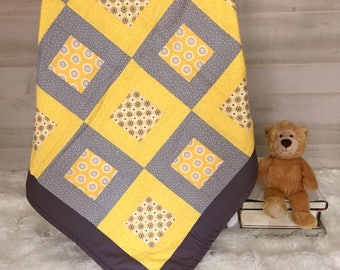Modern Baby Quilt - Gender Neutral Gift - Baby Quilt - Neutral Nursery - Baby Shower Present - Gray Baby Quilt -  Toddler Quilt - Crib Quilt