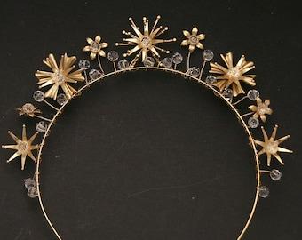 Gold Celestial Wedding Crown Crystals and Stars Headpiece Metal Star Headband Boho Wired Gold Tiara Star Hair Jewelry