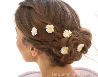 Daisy Bobby Pin Set of Five, Vintage White Daisies on Bobby Pins, Boho Flower Pins, Hippy Halloween Hair Pins