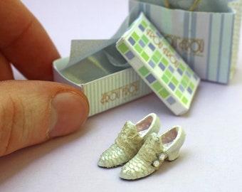 Miniature Lucy Shoes + Shoebox + Shopping Bag