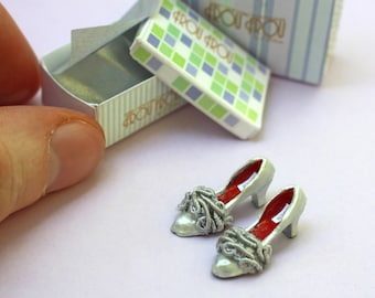 Miniature Greta Shoes + Shoebox + Shopping Bag