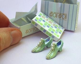Miniature Leah Shoes + Shoebox + Shopping Bag