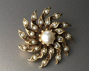 Pearl Starburst Cluster Brooch - Twirl Twist Brooch with Faux Seed Pearls - Gold Tone