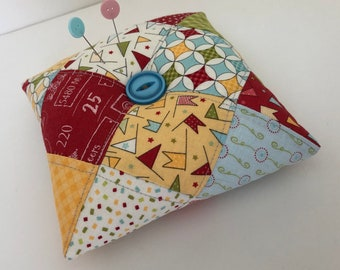SEWING PIN CUSHION- Quilters Pin Cushion- Needle Pin Holder- Moda Fabric Patchwork Pin Cushion