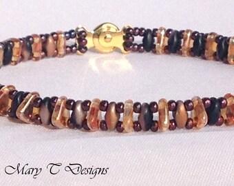 Black and Gold Beadwork Bracelet .. ebw team