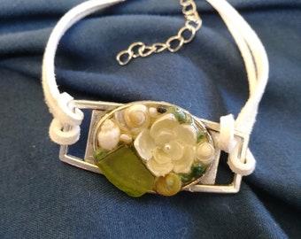 Mermaids Baubles Bracelet: Green & White (Seaglass + Pearl)