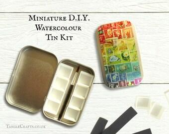 Mini DIY watercolour kit with interchangeable lid design