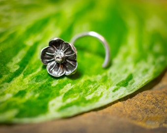 Silver Flower Nose Stud, Cast Directly From Real 5mm Flowers
