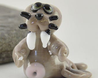 WALLY the walrus, whimiscal focal glass lampwork bead, collectible dog bead, Izzybeads SRA