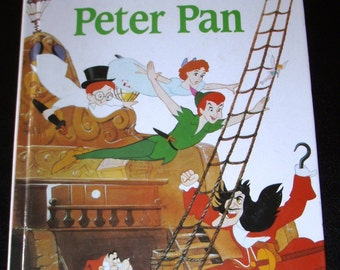 vintage childrens book... PETER PAN ... written in FRENCH language 1988 hardcover Book ...