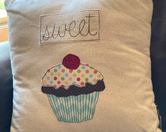 """Cupcake Pillow Cover with pillow insert, throw pillow, cushion, 16"""", cute pillow,free motion sewing,cupcake"""