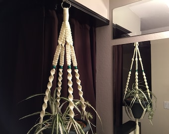 Ivory Plant Hanger 4 Green Beads
