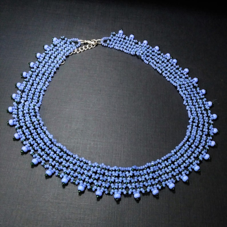 Periwinkle and green seed bead netted choker collar necklace 16 inches long with 2 inch extender.