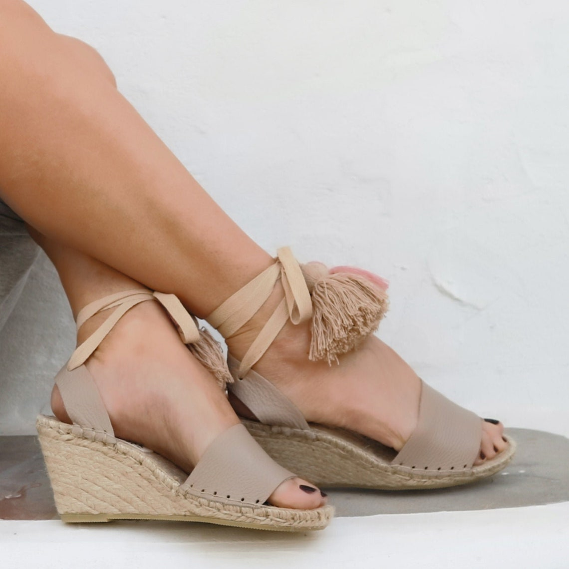 HIGH WEDGE ESPADRILLES in Beige. Leather Sandals with Tassels. Boho Wedding Shoes