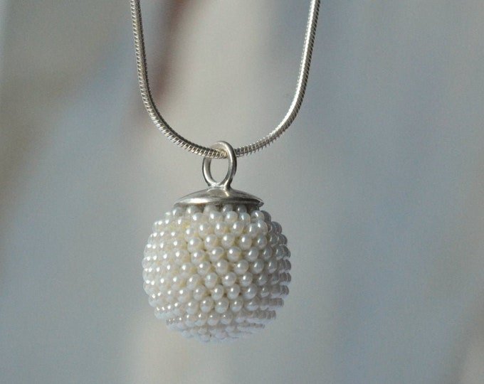 globe bridal pendant necklace  pearly white