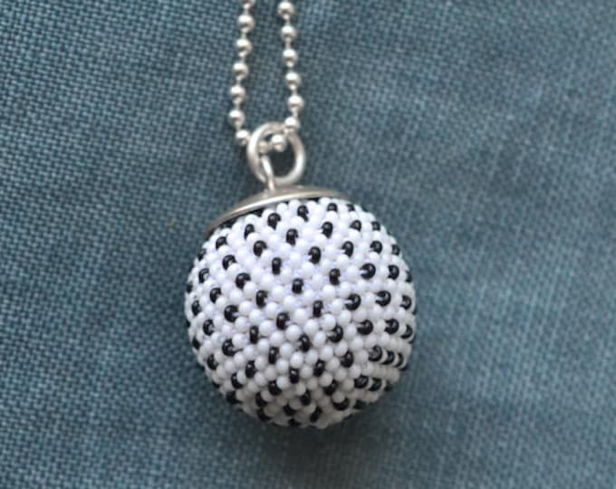 pendant white black dots silver necklace