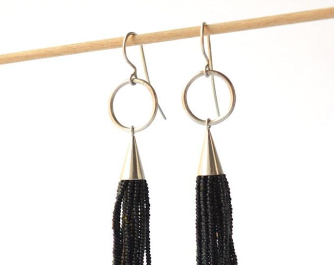 Tassel  earrings black donauluft