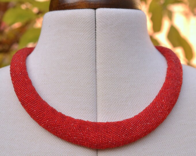 OOAK Collier red with silver closure