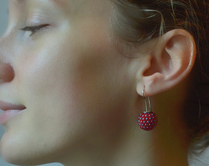 globe earrings red turquoise dots silver hook handmade classy dangle earrings original donauluft beadwork
