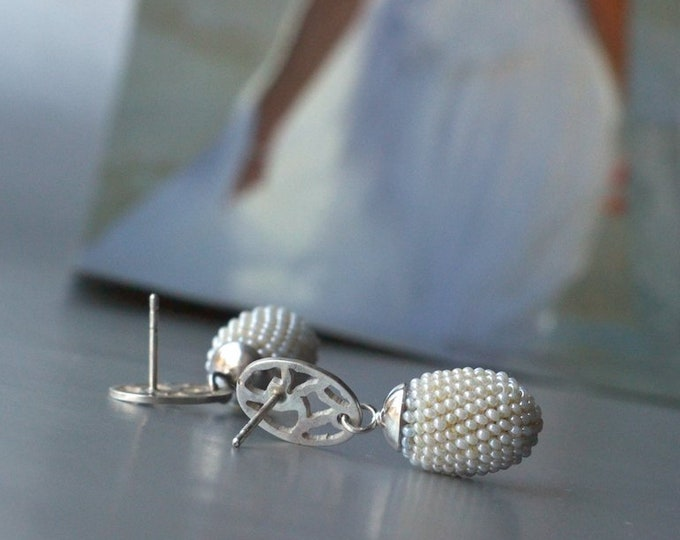 bridal ear stud olive silver