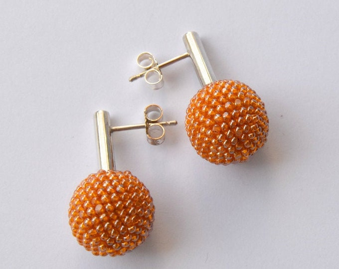 Honey colored silver earstuds bead crochet by donauluft