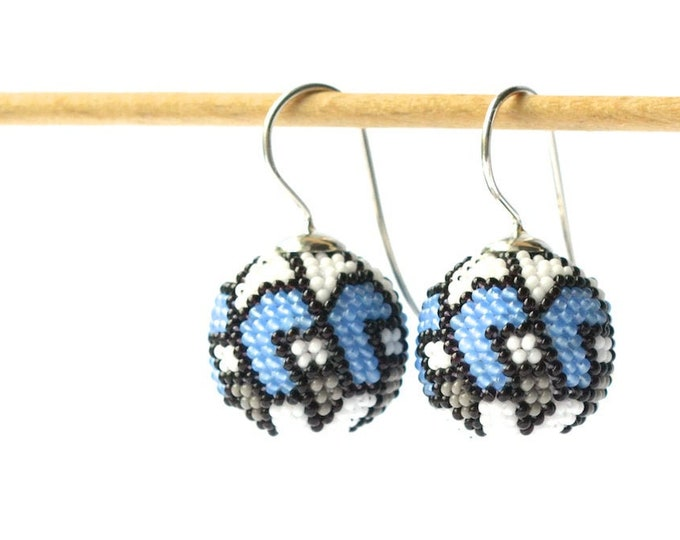 Glass bead globe earrings silver hooks with graphic ornament in blue, white, grey and black