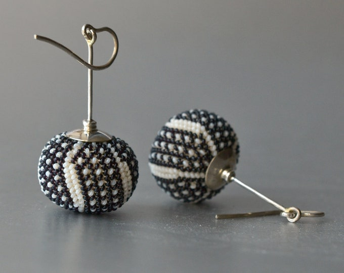 earrings black and white glass beads and silver