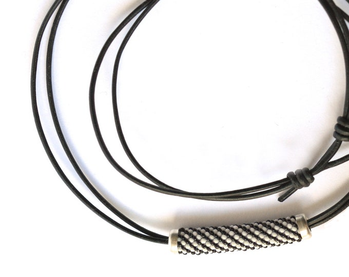 Adjustable necklace  black and white stripes
