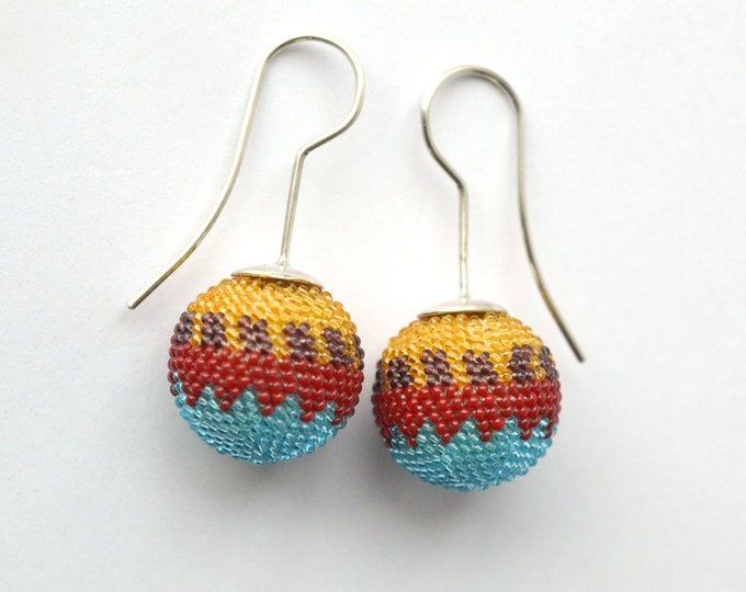 dangle globe earrings ethno style tuquoise orange from glass beads and silver hooks