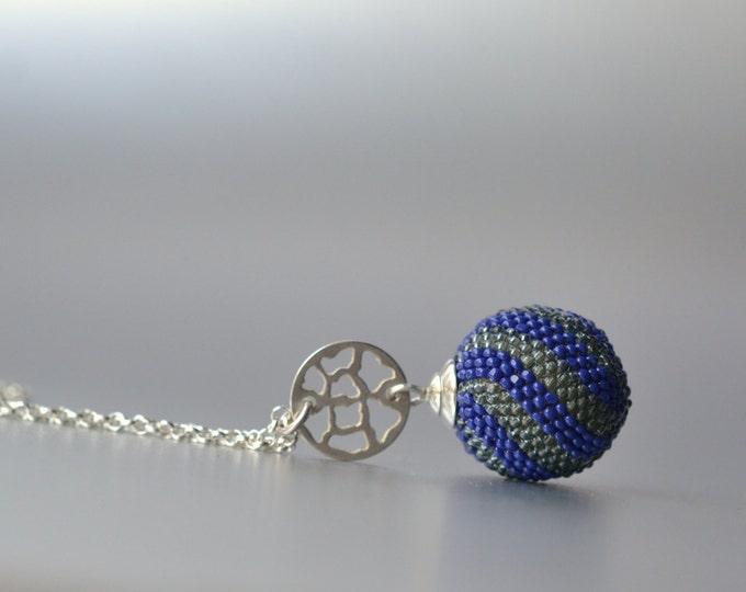 globe pendant blue gray glass beads silver necklace venetian style