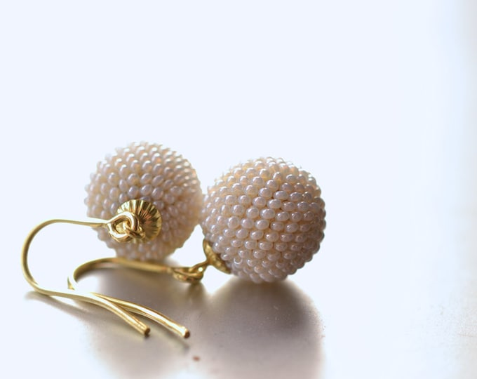 bridal globe earrings antique white glass beads with 8ct golden hooks wedding accessory