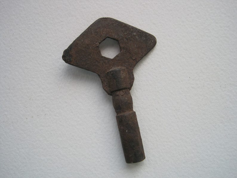 Steampunk Key Art Supplies Vintage Rusty Clock Key Clock Key Assemblage Supplies Antique Clock Key Jewelry Supply