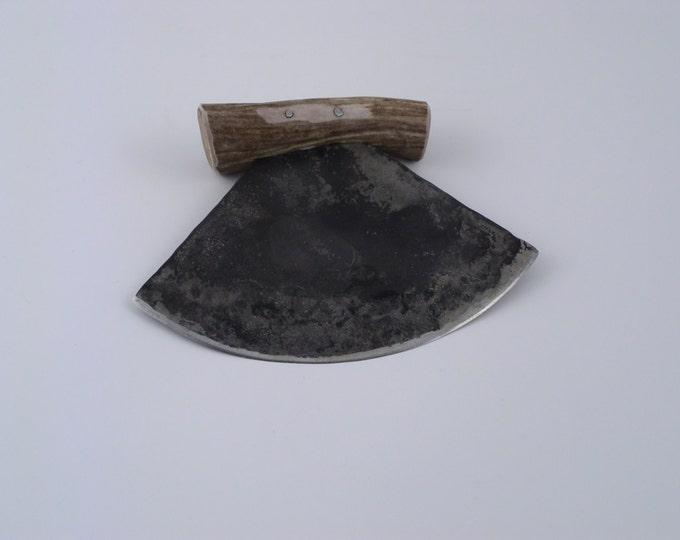Traditionally Made Ulu