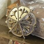 Signed Avon of Belleville Gold Tone Fleur de Lys Lis Brooch Pin