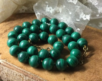 Luscious Deep Green Malachite Gemstone Knotted Bead Necklace Unsigned 1970's 1980's