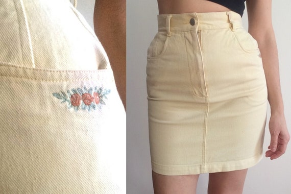 80s butter yellow denim mini / flower embroidery … - image 4