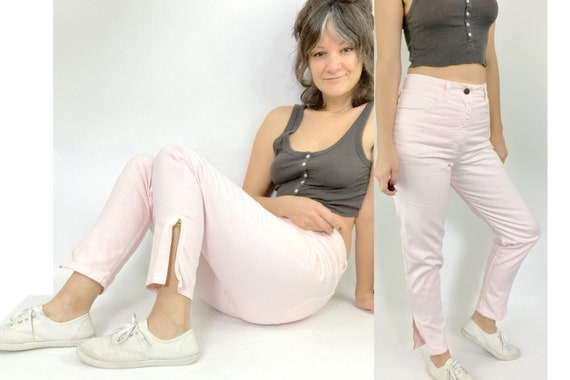 80s high rise light pink Guess jeans / ankle zip /