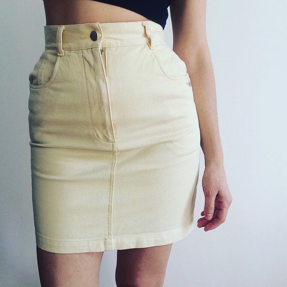 80s butter yellow denim mini / flower embroidery … - image 1