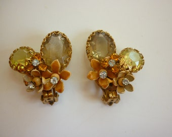 Mid-Century Assemblage / Collage Earrings clip-ons