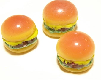 One (1) Cheeseburger Lampwork Glass Bead - Lot UU